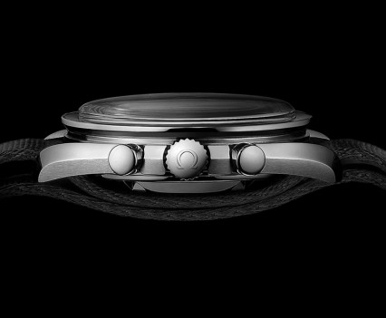 Montre-Omega-Speedmaster-Moonwatch-12