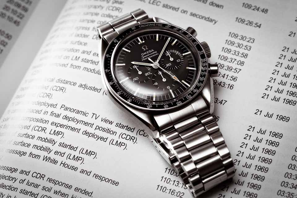 Montre-Omega-Speedmaster-Moonwatch-3