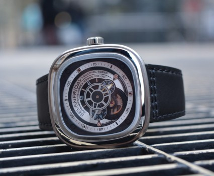 Montre-Automatique-SevenFriday-P1B-01-16