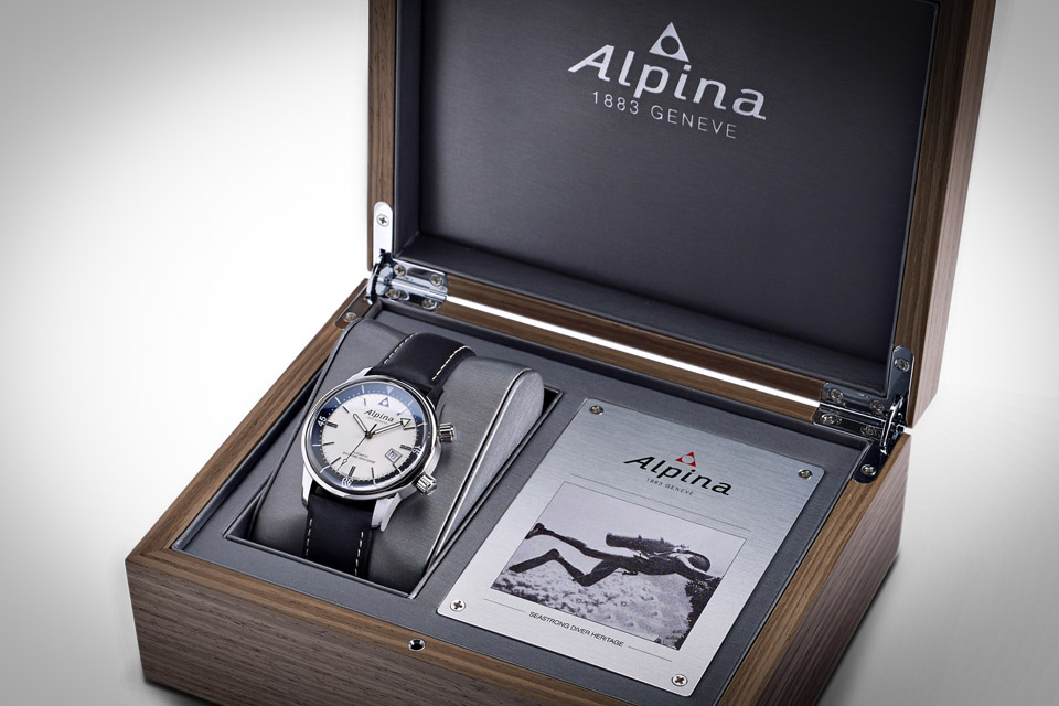 Montre-Alpina-Seastrong-Diver-Heritage-10