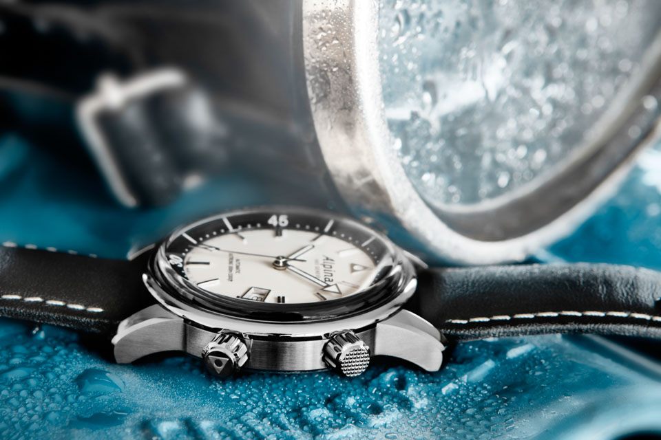 Montre-Alpina-Seastrong-Diver-Heritage-2