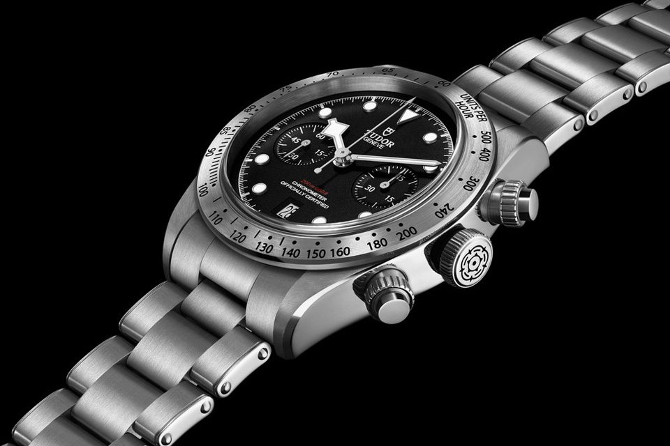 Montre-Tudor-Heritage-Black-Bay-Chrono-2