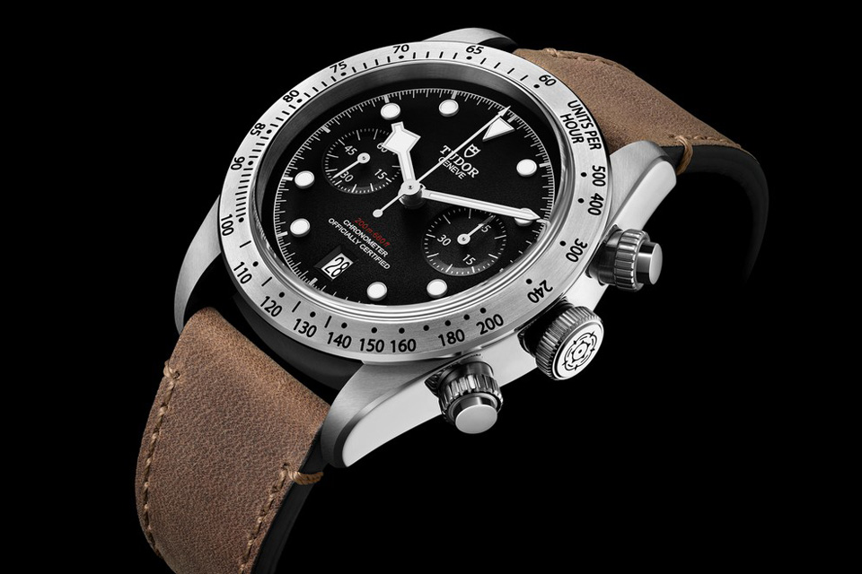 Montre-Tudor-Heritage-Black-Bay-Chrono-4
