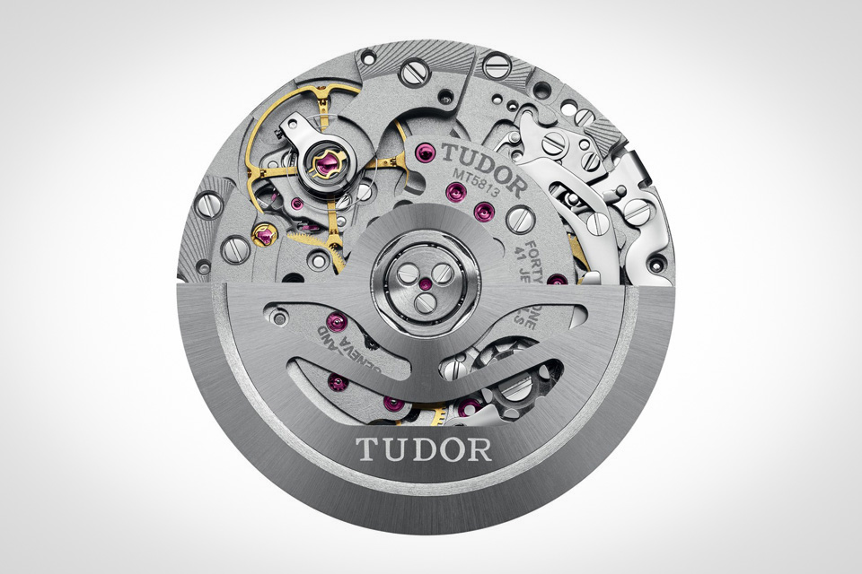 Montre-Tudor-Heritage-Black-Bay-Chrono-6
