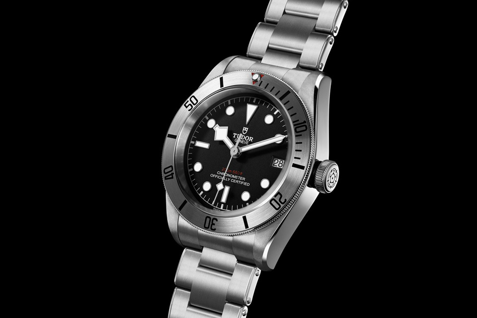 Montre-Tudor-Heritage-Black-Bay-Steel-1