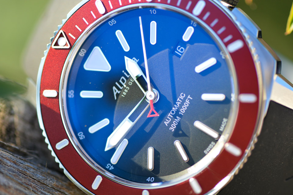 Montre-Alpina-Seastrong-Diver-300-Automatic-14