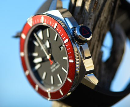 Montre-Alpina-Seastrong-Diver-300-Automatic-16