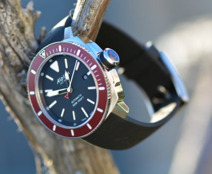 Montre-Alpina-Seastrong-Diver-300-Automatic-20