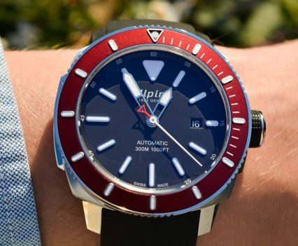 Montre-Alpina-Seastrong-Diver-300-Automatic-31