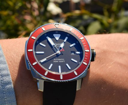 Montre-Alpina-Seastrong-Diver-300-Automatic-33