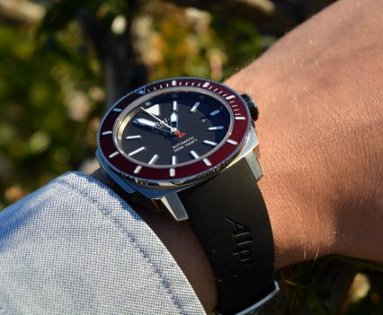 Montre-Alpina-Seastrong-Diver-300-Automatic-35