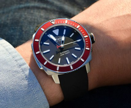 Montre-Alpina-Seastrong-Diver-300-Automatic-36